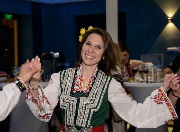 Яна Любенова