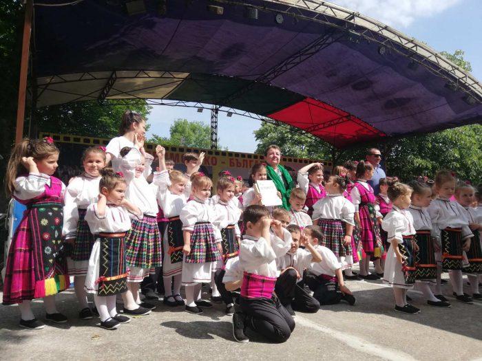 Детска школа за народни танци БЪЛГАРИН в Приморско 2021